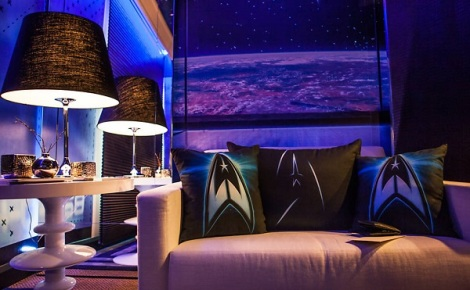 Star-Trek-Into-Darkness-Hotel-Room-2