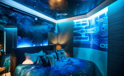 Star-Trek-Into-Darkness-Hotel-Room