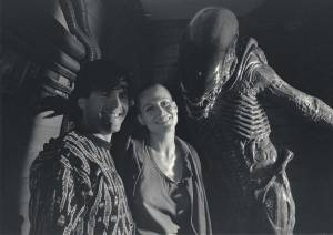 Sigourney-Weaver-on-the-set-of-Alien-3