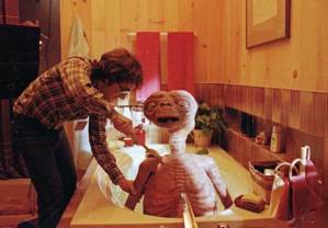 Steven-Spielberg-giving-E.T.-a-bath-on-the-set-of-E.T.-the-Extra-Terrestrial