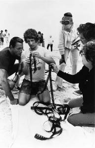 Roy-Scheider-and-Steven-Spielberg-on-the-set-of-Jaws
