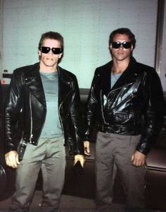 Arnold-Schwarzenegger-with-his-stunt-double-Peter-Kent-on-the-set-of-The-Terminator