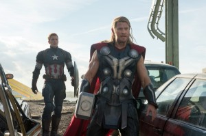 avengers-age-of-ultron-chris-hemsworth-chris-evans-600x399