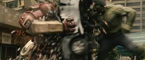 avengers-age-of-ultron-hulkbuster-hulk-fight-600x250