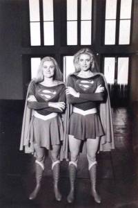 Helen-Slater-with-her-stunt-double-Tracey-Eddon-on-the-set-of-Supergirl