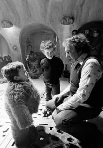 Warwick-Davis-Nicki-Reade-and-David-Tomblin-on-the-set-of-Return-of-the-Jedi