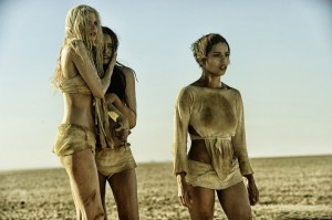 mad-max-fury-road-image-zoe-kravitz-courtney-eaton-abbey-lee-600x399